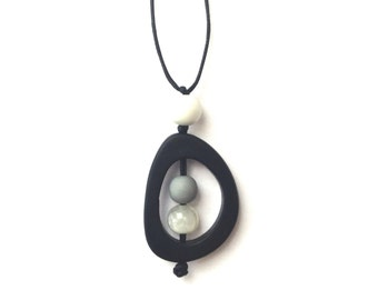 Nursing Necklace - Baby Safe Breastfeeding Necklace - Monkey Mama Twiddle Buster - Monochrome - Black and White, Grey, Gray