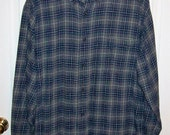 Vintage Men's Gray and Navy Plaid Flannel Shirt by Croft & Barrow XL Only 8 USD