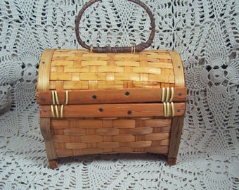 Vintage Handmade Chest Style Basket with Handle