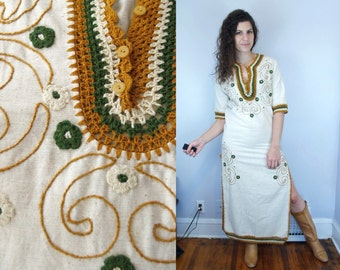 1970s Vintage Ivory Cream Beige Mustard & Green Embroidered Short Sleeve Hippie Festival Caftan Maxi Dress w/ High Slits / Small Medium S M