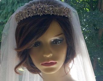 Couture bridal  veil with Swarovski crystal tiara  - Sassy veil