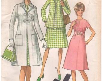 1970 - Simplicity 9168 Vintage Sewing Pattern Size 16 Petite Bust 38 Coat Jacket Dress Back Zip Round Neck Darts Notch Collar