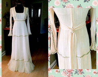 Vintage 70s Iconic Maxi Dress Size Small
