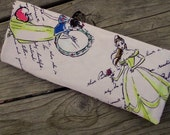 Pale Pink Disney Princesses Belle Snow White Print, Travel Curling Iron Cover, Flat Iron Cooling Case