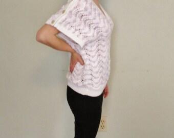 Pretty vintage short sleeve sweater V neck.