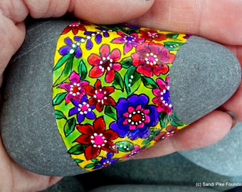 summer meadow / painted rocks / painted stones / paperweight / boho decor / boho style / wildflowers / hippie art/ flower child / rock art