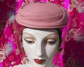 Vintage 1950's Hat . Rose Pink Felt Turban Roller . Brandt Paris New York .