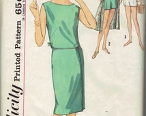 60s Sleeveless Bateau Neck Back ButtonTop, Retro Shorts and Wrap Around Skirt Pattern Simplicity 5000. Size 14 Bust 34 inches.