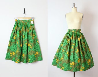 vintage 50s skirt / deadstock 1950s floral cotton skirt / green and yellow floral skirt / pleated full skirt / slubbed cotton skirt