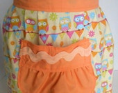 Childs Half Apron, Girls Apron, Owl Print, Pleated with, Large Pocket, Craft Apron, Party Apron, Extra Long Ties