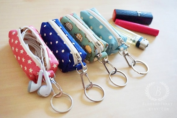 Earbuds zipper case - white earbuds case