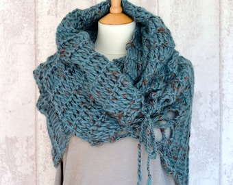Knit Infinity Scarf Pattern Easy : KNITTING PATTERN Lace Scarf Simple Knit Pattern Infinity Scarf