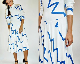 1980s Abstract White Drop Waist Turtleneck Dress