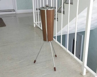 UNIQUE Retro Atomic Mid Century Ianthe Standing Floor Ashtray / Sputnik Tripod Legs/ Great 1950s 1960s Mid Century Design