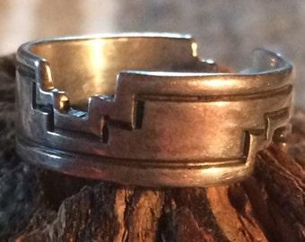 Vintage Handmade Native American Ring - Size 5 3/4