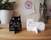 Set of two acrylic cat desk ornament - Desk pet - Laser cut cat - Black cat - Desk cat - Cat gifts - I like Cats - cat standee - laser cut