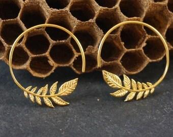 Leaf Hoop 18K Gold  - Leaf Earrings - Gold Hoop Earrings - Gold Earrings - Gold Leaf Earrings - Dangle - Body Jewelry - Leaf hoop