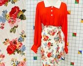 DRAPE Floral Wrap Skirt 1990s Flower Print Vintage White Red Blue Roses Pencil Wrap Skirt Small Spring Cute Elegant Skirt