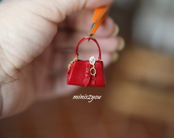 """Handmade openable and lined brand handbag in very soft leather with """"gold"""" details, scale 1:12"""