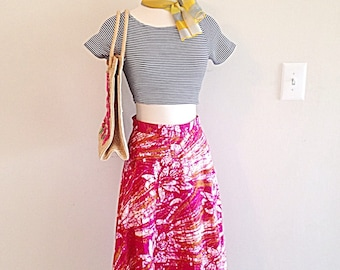 Bright and Beautiful Vintage Tropical Thai Wrap Skirt Batik Lotus Print