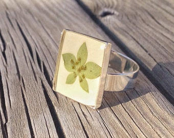 resin ring, leaf ring, nature ring, woodland ring, unique gifts for women, botanical ring, pressed flower ring, nature jewelry, unique ring