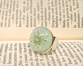 real flower ring, pressed flower ring, dried flower ring, light blue ring, cute ring, jewelry nature, nature inspired jewelry, cute rings