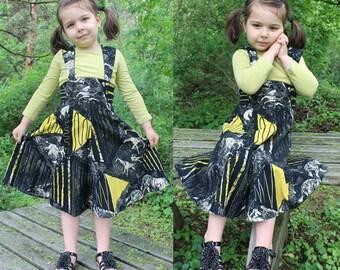 Vintage JUMPER DRESS Little Girls GEOMETRIC Tribal Print soft flannel A-Line Skirt 40s Deco - Folk Black & Yellow Woodland Childs Small Size