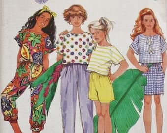 Simplicity 7725 /Pants / Shorts Sewing Pattern / Girls Pattern 1990s