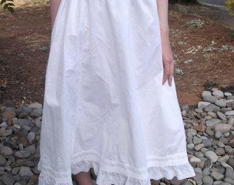 ANTIQUE WHITE SKIRT Cotton Underskirt Slip Embroidery Size Medium