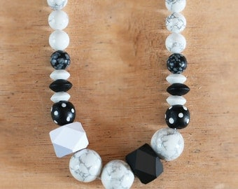 Howlite Bead Geo Necklace
