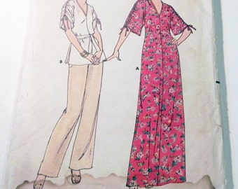 """1970s Maxi dress loose fitting tunic top pants drawstring shoulders sewing pattern Butterick 5981 Size 6 petite Bust 30.5"""""""