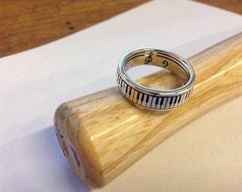Piano Ring Silver