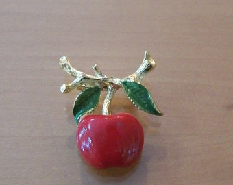 Vintage Signed Gerry's Red Enamel Gold Tone Apple Brooch Pin TEACHER