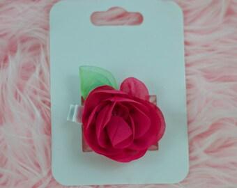 Dark pink chiffon flower hair clip.
