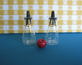 Pyrex Salt & Pepper Shakers - Clear Glass  - Gold Band - Atomic Style - Vintage 1960's