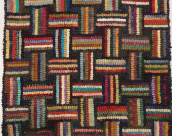 "Hand hooked wool rug 15.5"" x 16"""
