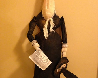 Primitive Halloween Old Hag Witch, Handmade Halloween Witch with Hat and Postcard Tag