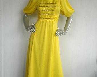 70s Dress / 70s Yellow Dress / Hippie Dress / Bohemian Yellow Dress / Size Medium