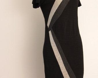 Vintage 1960s knit dress size S shift dress black grey charcoal