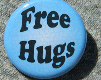 Free Hugs blue Button/Magnet/Bottle Opener