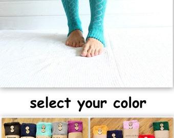 Leg warmers in CREAM with buttons - leg warmers - vanilla, diamond pattern, button, legging, yoga, boot cuffs, boot legwarmers, unique, sock