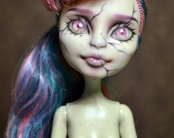 Commission a Monster High Repaint- Please read description September Slots