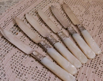 Vintage Fruit Knives Silver Plated Mother of Pearl Handled Flatware Knife Set of Six Mid Century Table Setting Country Cottage Farmhouse