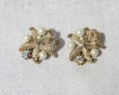 Vtg 60s Beach Theme Earrings