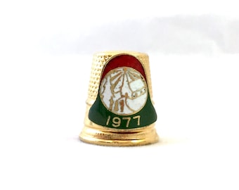 Vintage Lillian Vernon 1977 Gold Thimble, Christmas Bell Gold Tone Thimble, Winter Church Scene Collectible, Red White and Green Thimble