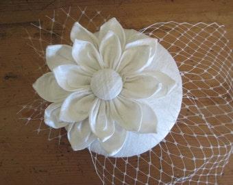 Bridal Fascinator - Ivory Silk Fascinator, Wedding Hat, Bridal Hat, Mini Hat, Fascinator, Cocktail Hat, Ivory, White