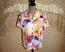 Short Sleeve Button Up Shirt 80s Blouse Colorful Purple Floral Top for Women Oversized Boxy 1980s Clothing Medium Womens Vintage Clothing