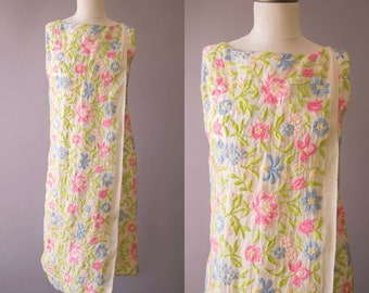 vintage 1960s dress / 60s Ceil Chapman embroidered shift dress / small