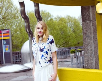 SILLYELVA: Crop shaped short Shirt with butterfly prints