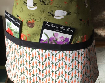 Gardening Apron, 3 pockets for your seeds, snips,phone, trowel, water bottle, etc.20 by 14 inches.